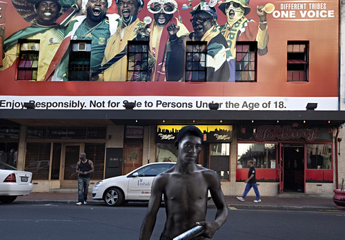 20121020003630-david_lurie_one_voice__long_street__capetown__2010