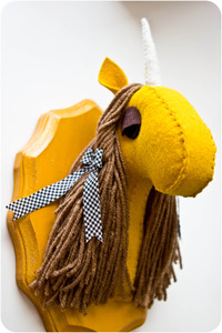 20121023055536-yellow_unicorn-12