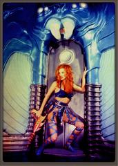 20121103054615-blue_alien_girl_849kb