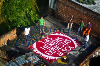 20121107085945-tela_sobre-techo_en_santo_domingo
