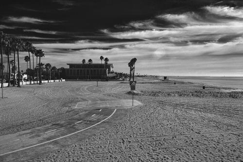 20121214140142-belmont_beach_bike_path