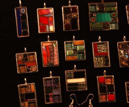 20121222225511-mosaic_pendants_dec2012