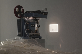 20130104215151-rosa-barba-space-length_thought__2012-16mm_film__projector__typewriter-2000px