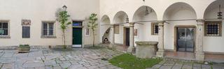 20130125145323-pic-traklhaus-hof-panorama-