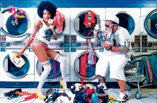 20130125173435-j_gomez_fun_in_laundry