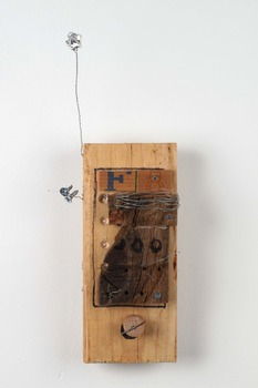 20130201042742-wooden-phone-2012-08