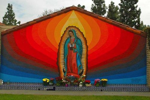 20130202095728-chicano-muralists-exhibit-2_6x4