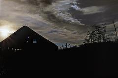 20130211001046-cambria_barn