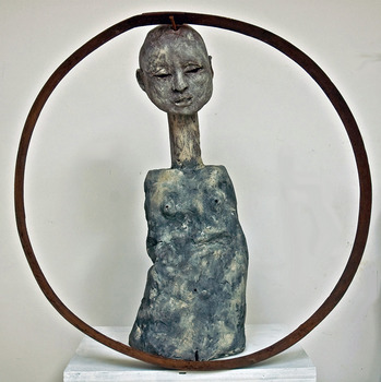 20130217195715-circlewoman100