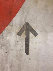 20130228001756-lknoop_arrow_red72