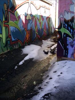 20130305015227-winter_and_street_art