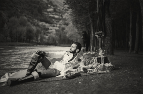 20130307090134-nikhil_chopra_picnic