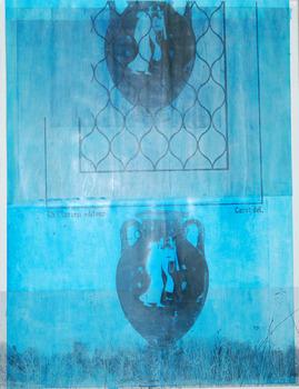 20130308003519-watervase2