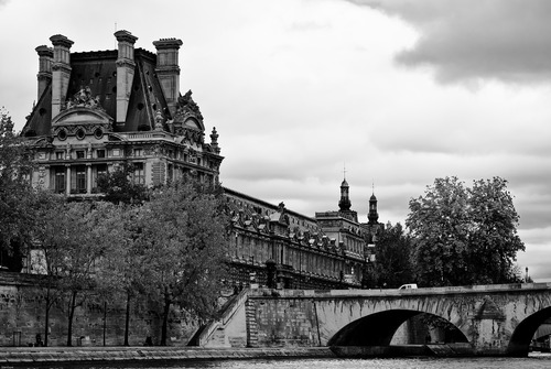 20130308041045-10_louvre_from_the_seine_7610-188-4093_final-