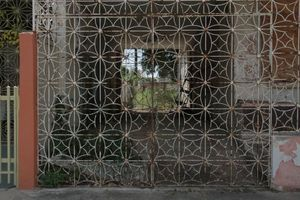 20130308150703-still_from_prisoner_s_cinema__beatriz_santiago_mu_oz__villa_grillasca_en_ponce__puerto_riso__2013__hd_video__35min