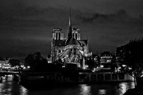 20130309075108-23_notre-dame_from_pont_de_la_toumelle_d4-4247_589_final-