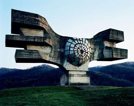 20130309194813-spomenik