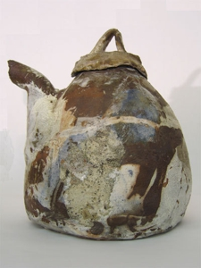 Voulkos_tea_pot-02