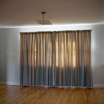 20130313144532-curtain_estatesale