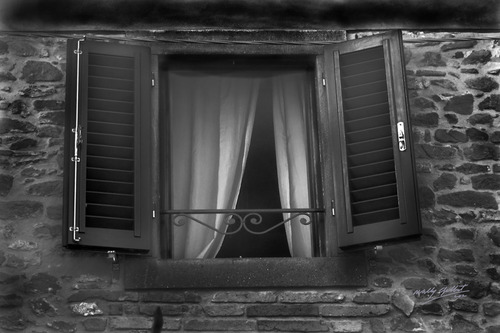 20130317212947-100window-tuscany_bw_20x30