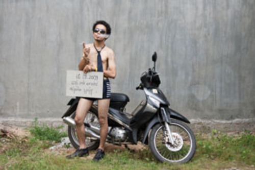 20130323013147-lim_sokchanlina_thief_2009_my_motorbike_and_me