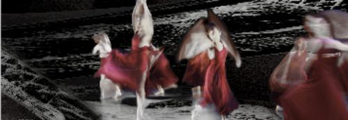 20130408174623-eiffel_dancers_1