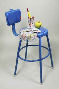 20130417172410-blue_stool