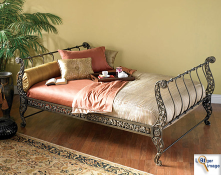 20130420043350-gaston_iron_bed_better_picture