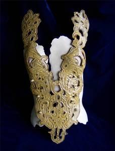 20130425200600-corset_baroquefront