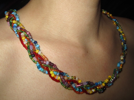 20130507181505-2011_beaded_necklace
