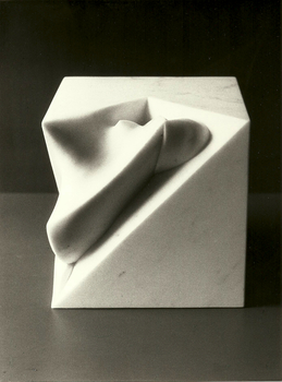 20130510161234-scultura_-_presenza_-_marmo_carrara_1980