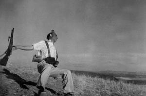 20130530095355-death_of_a_loyalist_militiaman__spain__september_1936___robert_capa_-magnum_photos