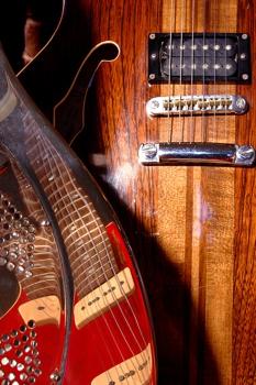 Dali_plays_the_blues
