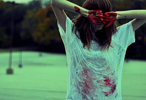 20130705053852-amanda_red_paint