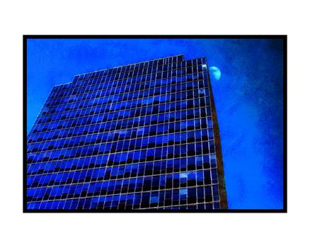 20130725165059-20x16_blue_moon_c_fs
