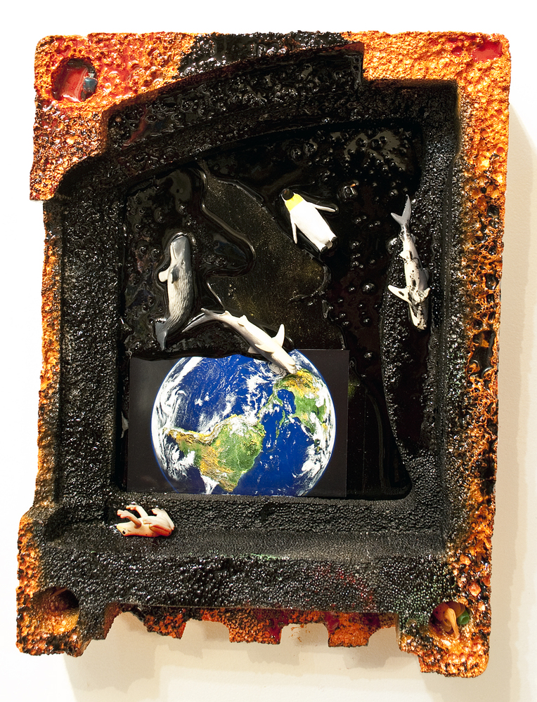 20130805042119-hertog_aimee_06_earth_spill