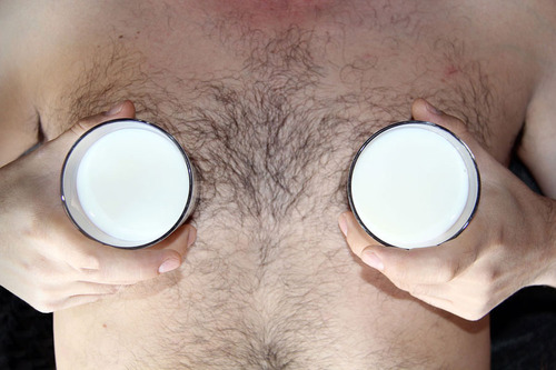 20130821180055-sarahriedmann_milkboob