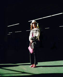 20130829192223-woman_with_the_pink_purse_2010_mimi_plumb-1