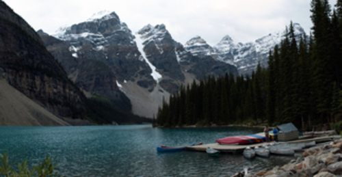20130908004733-moraine_lake_canoes-1371427976