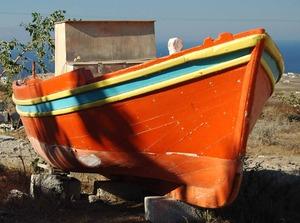 20130922204013-oia_boat