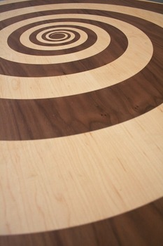 20130924145542-alex_chinneck__whirlpool_table__detail_-_web
