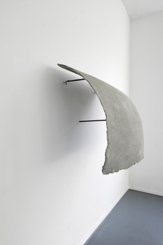 20130927105455-valerie_krause__untitled_2010__concrete__steel