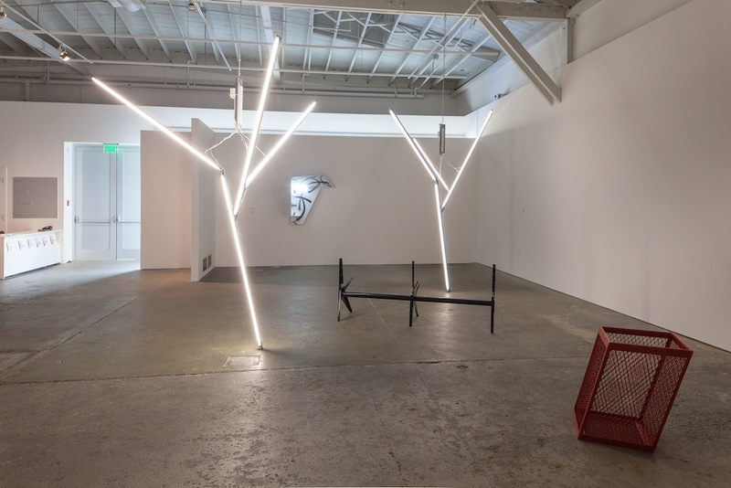 20131009072736-martin_boyce_installation_view