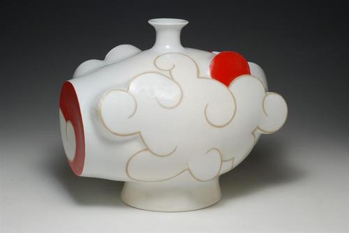20131105162340-cloudbottle