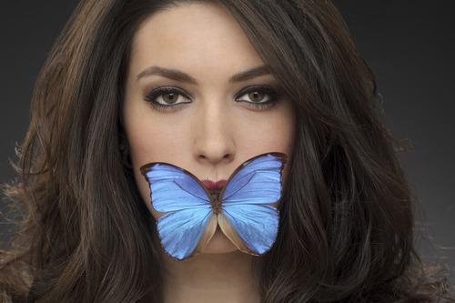 20131107064039-berrett__pat__she_speaks_in_butterflys_10_x15
