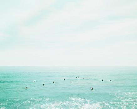 20131220021317-surfers_oahu_hawaii_2010_by_david_burdeny