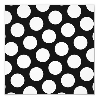 20140130170340-b_and_w_polka_dots_2