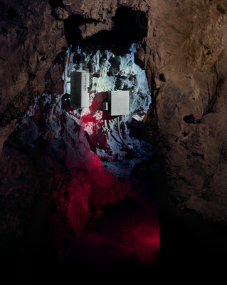 20140207024223-05_show_caves