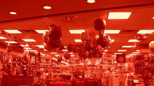 20140209023755-rose_art_museum_meckseper_mall_of_america_film_still_18_72