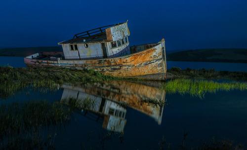 20140218064628-shipwreck